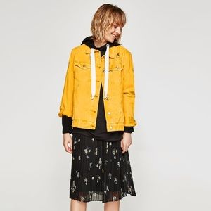 Zara yellow denim jacket sz medium NWT